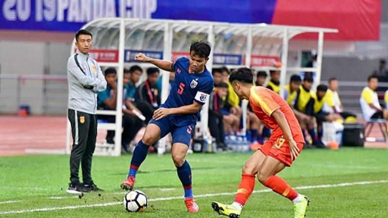 """จำลองของจริง """"ทีมชาติไทย U19"""" กางแผนลับแข้งบนหญ้าเทียมก่อนคัดเอเชีย"""