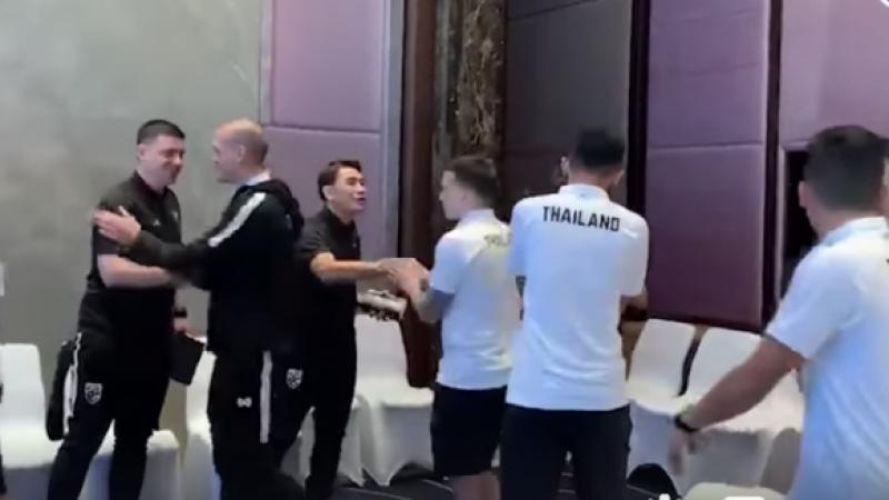 """ชมช๊อต ทีมชาติไทย ชุดใหญ่ กลับเข้ารายงานตัวอีกครั้งกับ """"อากิระ นิชิโนะ"""" คราวนี้ไม่ใช่มินิแคมป์ แต่เป็นแคมป์ใหญ่ของจริงก่อนพบ """"มาเลย์ -"""
