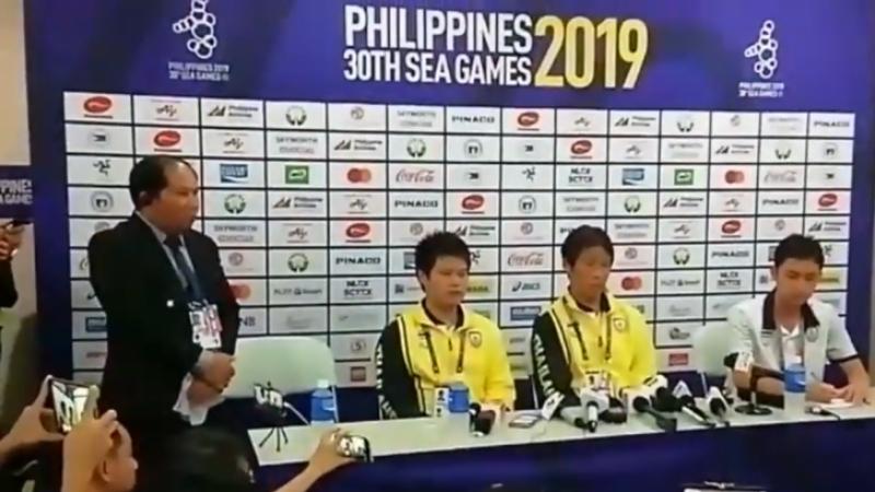 """ชมปฏิกิริยา """"อากิระ นิชิโนะ"""" ช่วงหลังเกมเสมอทีมชาติเวียดนาม ร่วงตกรอบซีเกมส์"""