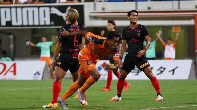 """เสียงจากแฟนบอลญี่ปุ่นหลังทราบข่าว """"ธีรศิลป์"""" กับทีมยักษ์ไทยลีก"""