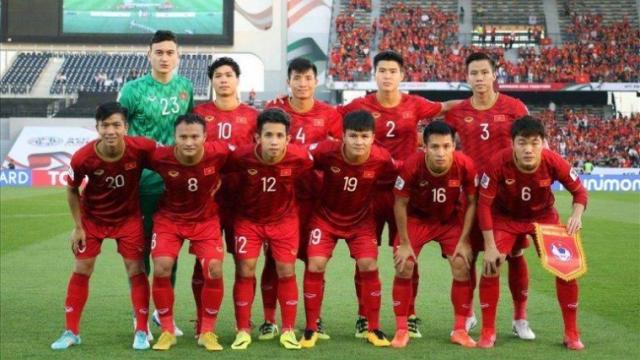 """กระหึ่ม """"ทีมชาติเวียดนาม"""" เปิดตัวชุดแข้งใหม่ แบรนด์ไทยลุยบอลโลก ปี 2021"""