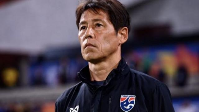 """เผยคำพูด """"อากิระ นิชิโนะ"""" หลังต่อสัญญาคุมทีมชาติไทย"""