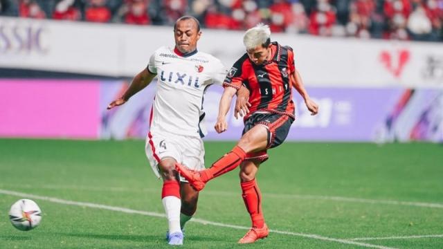 """ความรู้สึกแฟนบอลคาชิม่า+คอนซะ หลัง """"ชนาธิป"""" ช่วยทีมเอาแต้มกับ คาชิม่า แอนท์เลอร์ส"""