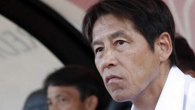 """สื่อญี่ปุ่นตีข่าว สถานีต่อไปอดีตกุนซือทีมชาติไทย """"อากิระ นิชิโนะ"""""""