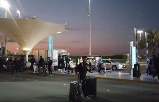 """ช่วงก่อนเดินทางถึงประเทศไทย! บรรยากาศ """"ทัพช้างศึก"""" ทีมชาติไทย เสร็จสิ้นภารกิจเอเชียนคัพ 2019 ที่สนามบินอาบูดาบี ยูเออี"""